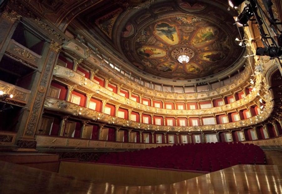 Visitar o Teatro Colón na lua de mel em Buenos Aires
