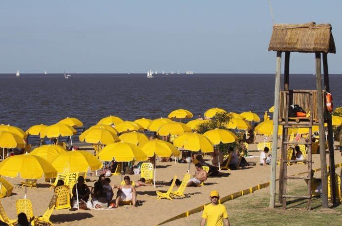 Ir às praias do Rio de La Plata em Buenos Aires no mês de fevereiro