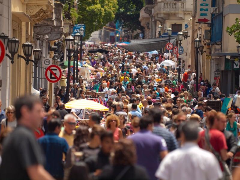 Passear pela Feira de San Telmo em Buenos Aires no mês de maio