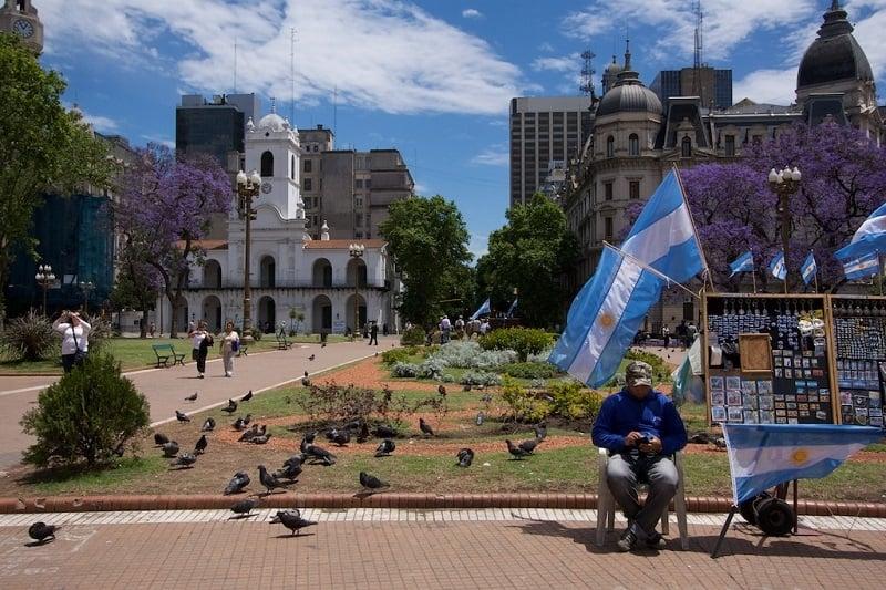 Plaza de Mayo em Buenos Aires no mês de junho