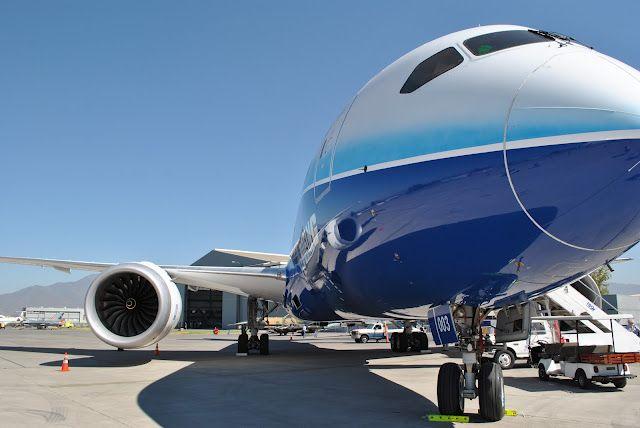 Quanto custa uma passagem aérea para Mendoza: Avião em pista em Mendoza