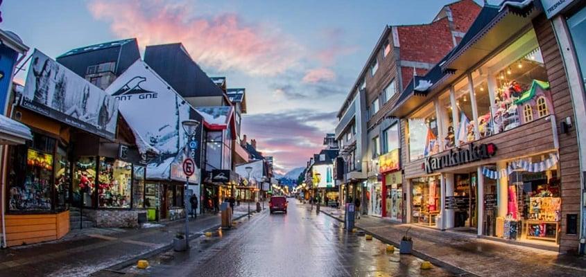 Avenida San Martín para compras em Ushuaia