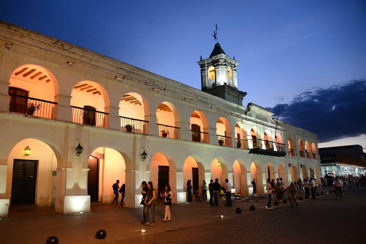 Como transferir dinheiro para a Argentina: Cabildo em Salta