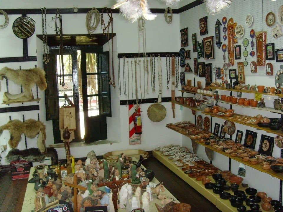 Loja do Mercado de Artesanías em Salta, Argetntina
