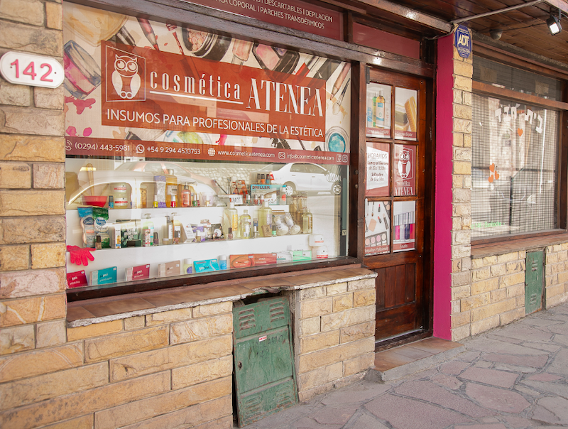 Onde comprar maquiagem em Bariloche: Cosmética Atenea
